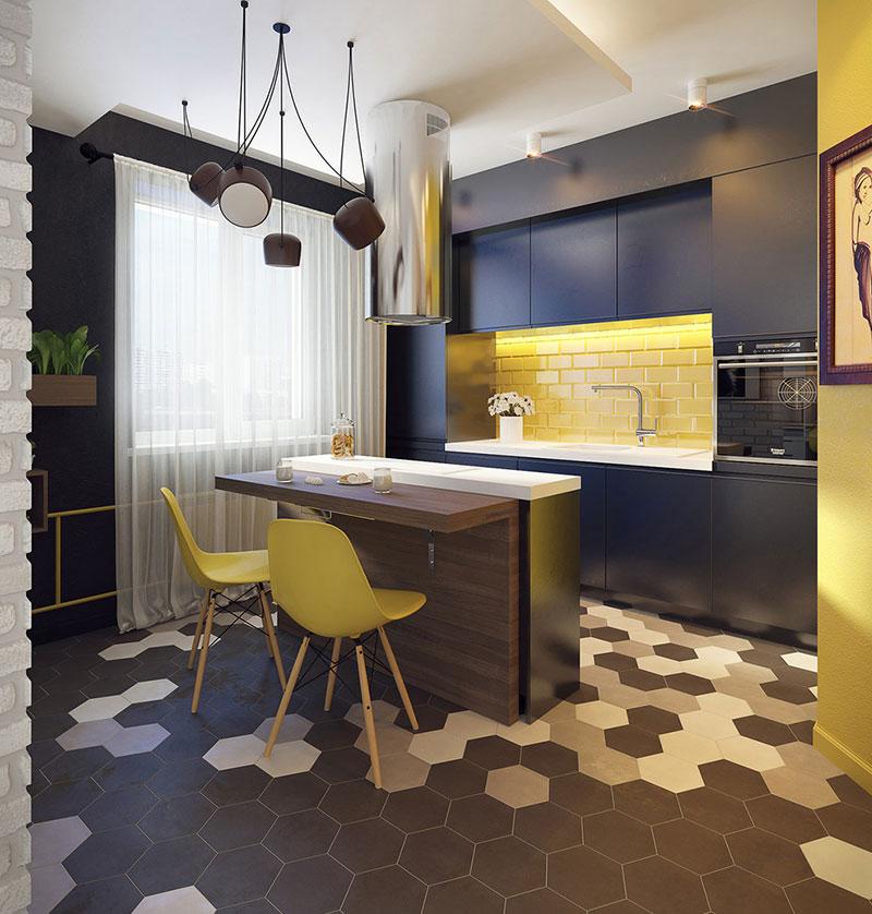 chaises jaunes dans une cuisine