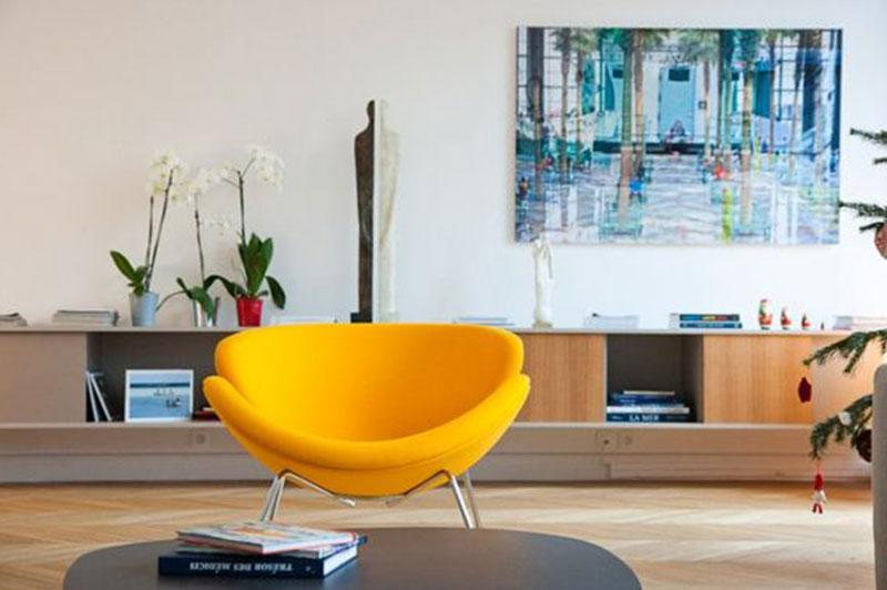 fauteuil ovale jaune