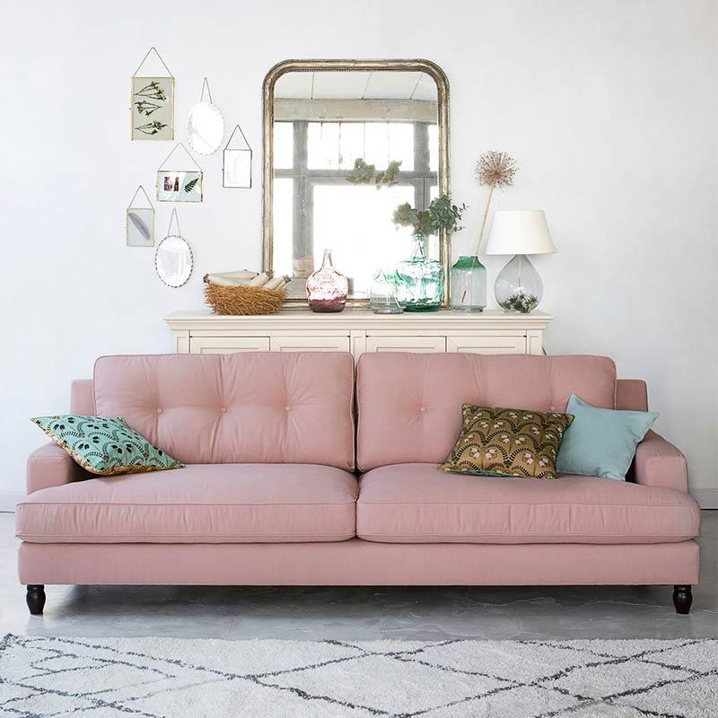 canapé Rina en tissu en décoration salon