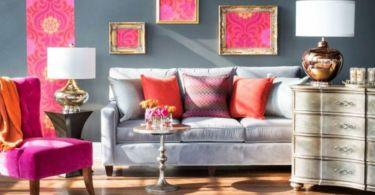 Salon avec décoration corail