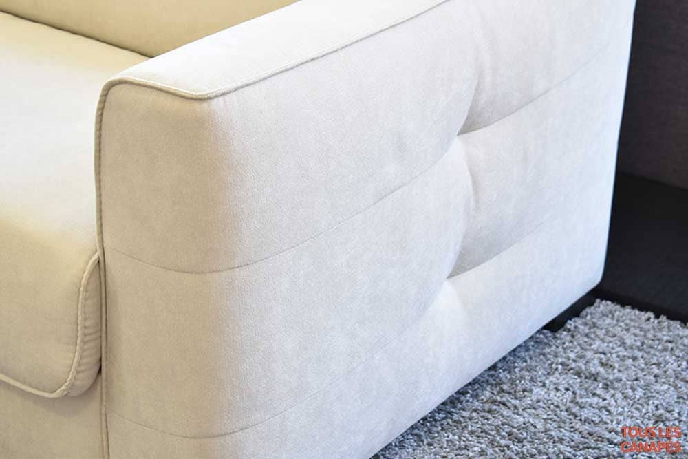 Accoudoir du canapé lit Bruxelles de Mecazza - Touslescanapes.com