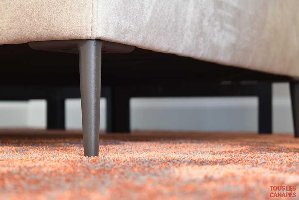Canapé Thomas avec pieds en fer - Touslescanapes.com